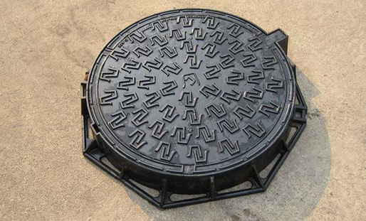 Proper method of transportation for ductile iron manhole covers